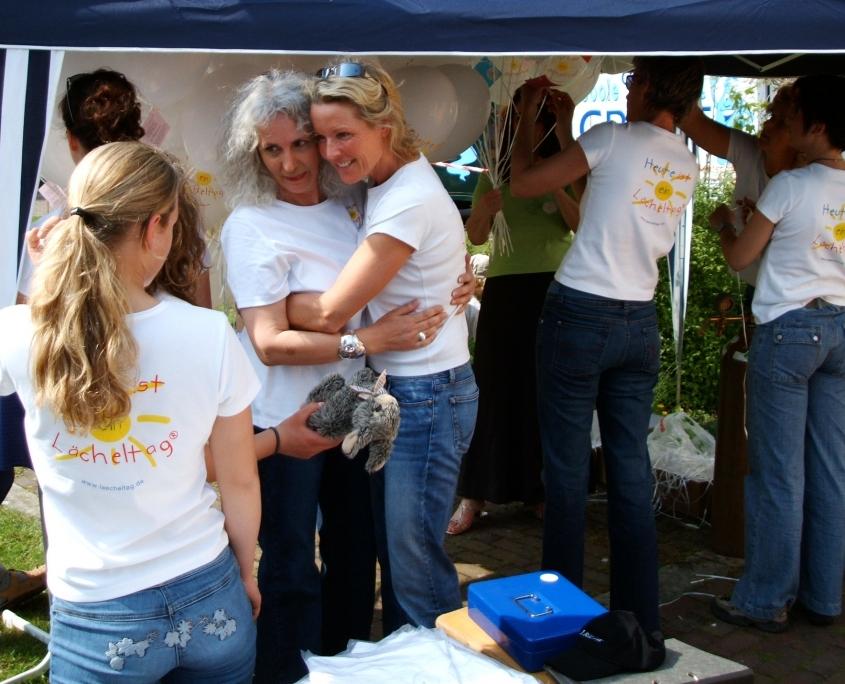Der Lächeltag-Verein in Aktion - mit Ulrike Reverey und Regina Först